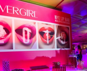 graphics-events-CosmopolitanCOVERGIRLNYE-lipbar