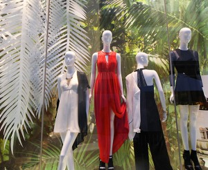 graphics-retail-BCBGgeneration-mannequins