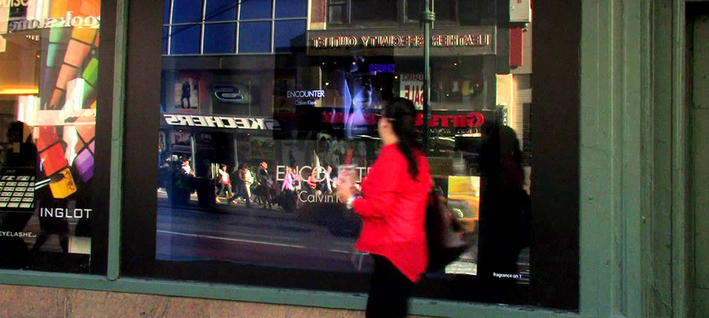 News-Calvin-Klein-Encounter-Digital-Signage-Herald-Square