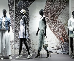 Retail-Armani-Exchange-NYC-Retail-Windows-Displays-Dye-Sub-Vinyl-5th-Ave-1