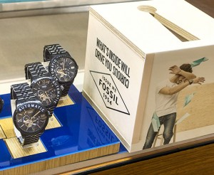 Retail-Fossil-New-York-NYC-Imaging-Large-Format-Windows-Vinyl-Plexi-Rollout-8