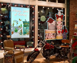 Retail-Kiehls-New-York-Flagship-Holiday-Windows-2015-Digital-Signage-2